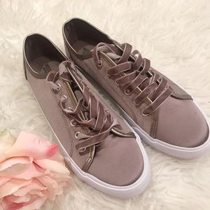 Mossimo bronze sneakers new✨ size 9